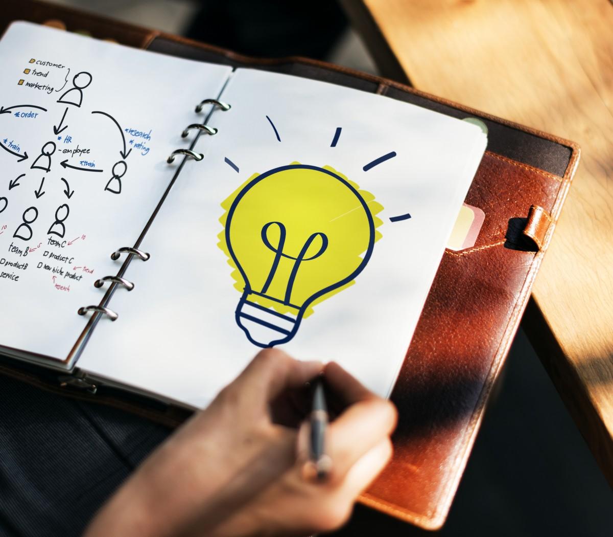 """Concurso de Ideias """"Logotipo para a Nova Escola"""